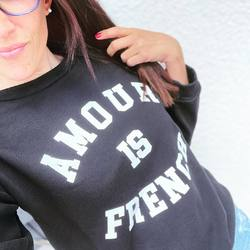 Amour is french ♥️  #shopping #shop #shoppingaddict #boutiqueenligne #sweat #amour #amourisfrench
